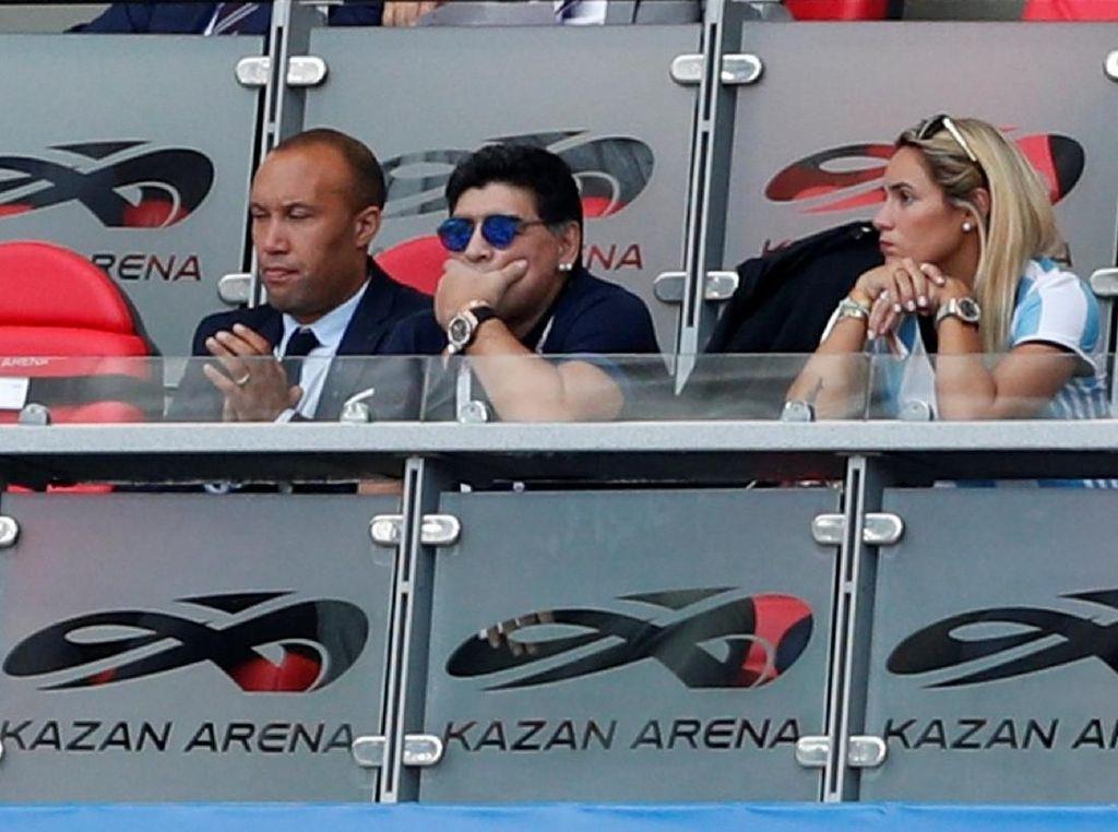 Maradona Seperti ke Bioskop dan Tonton Kematian Argentina