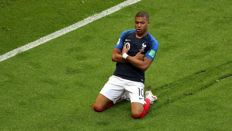 Hazard: Mbappe Layak Menangi Ballon dOr