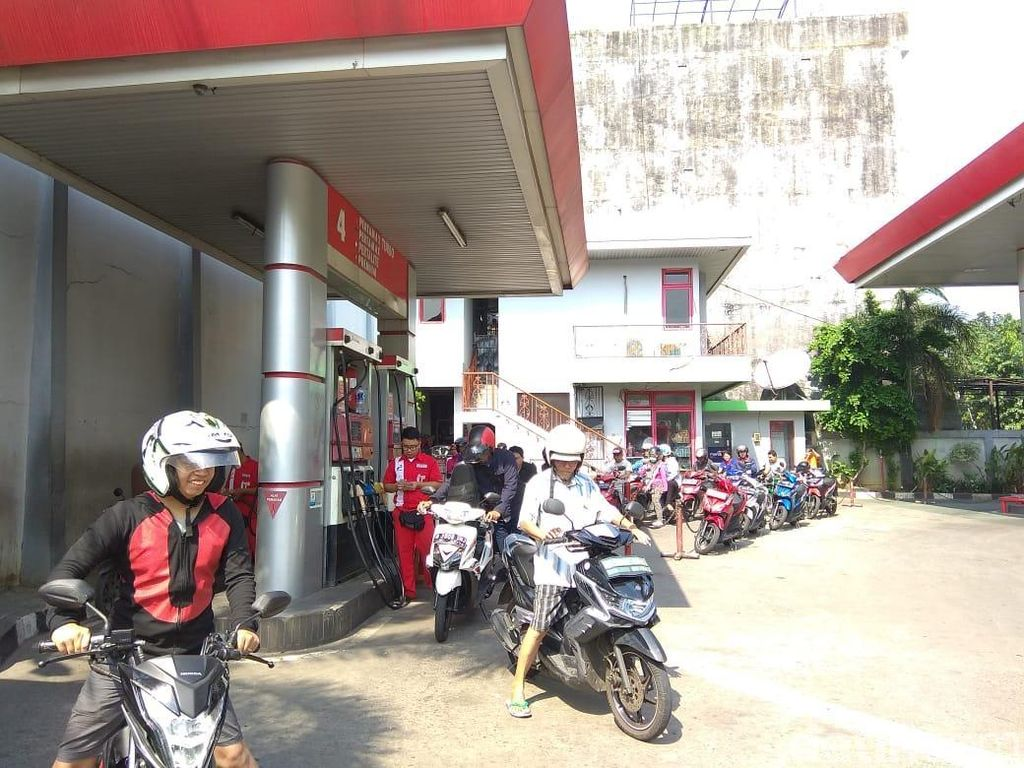 Harga Pertamax di Jakarta Naik Rp 600/Liter