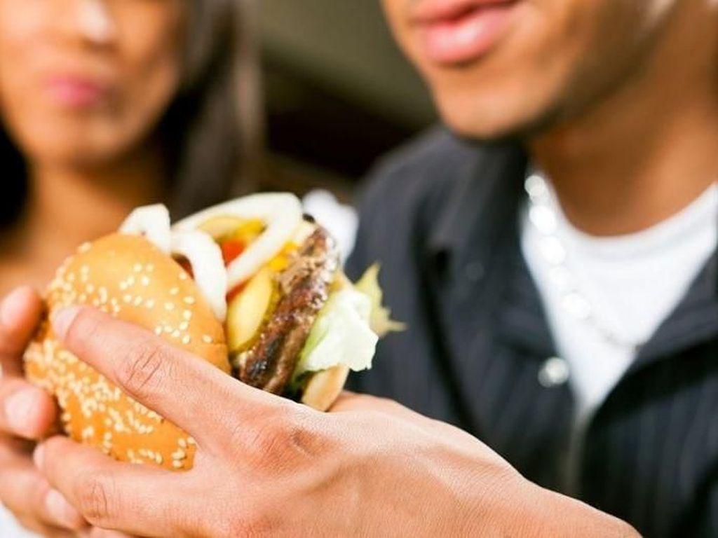 Diet Gagal Terus? Pacar Kamu Mungkin Jadi Penyebabnya