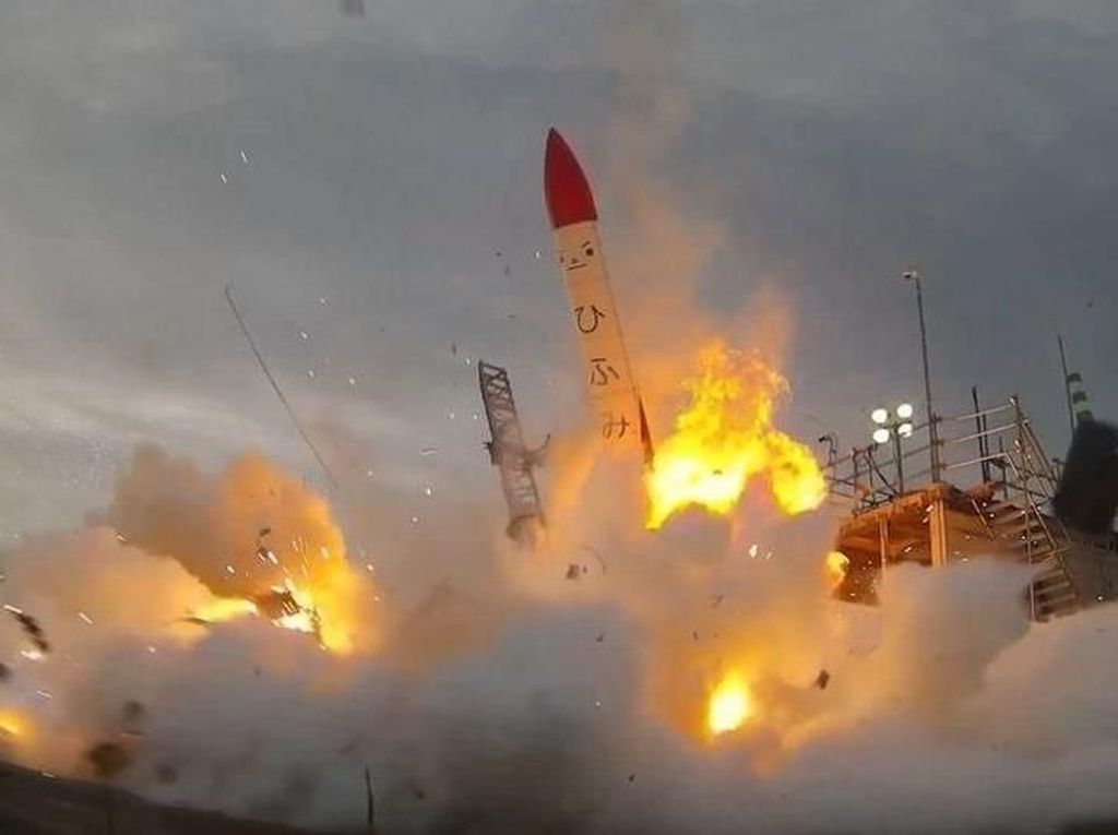 Roket Milik Perusahaan Jepang Meledak Setelah Lepas Landas