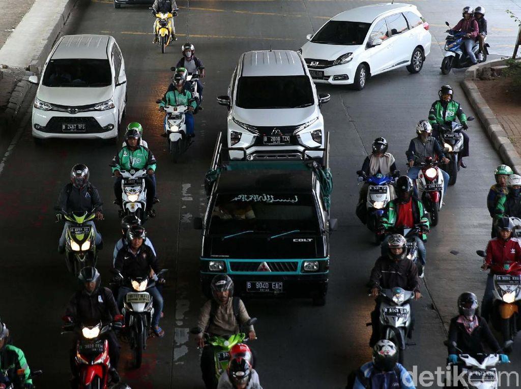 Pemprov DKI Tidak Keluarkan Form Batas Usia Kendaraan Ini
