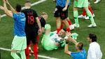Foto: Duh! Subasic Jatuh Saat Perayaan Kemenangan Kroasia