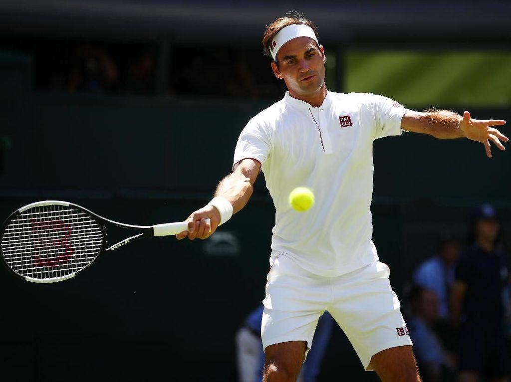 Tampil dengan Sponsor Baru, Federer Lewati Babak Pertama Wimbledon