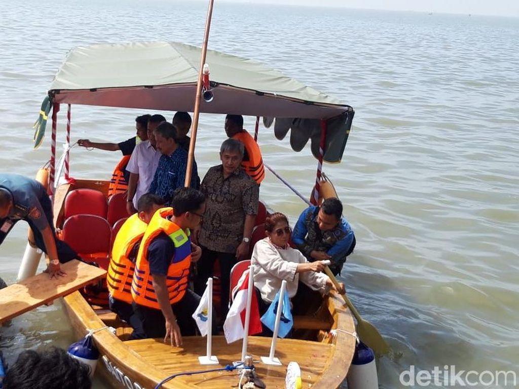Ini Kelebihan Kapal Bambu Buatan ITS yang Diluncurkan Menteri Susi