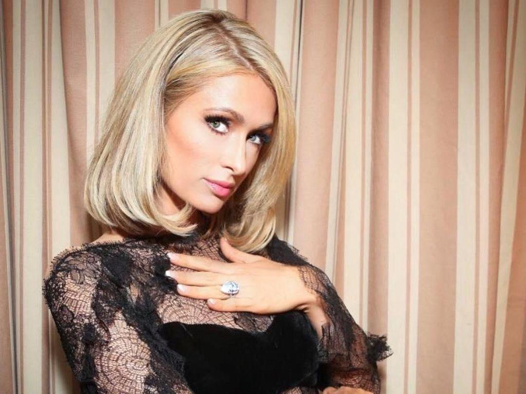 Batal Nikah, Paris Hilton Mengaku Cincin Tunangannya Barang Gratisan