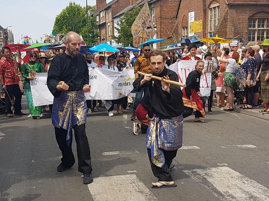 Melihat Kampung Indonesia di Oxford dan Gamelan Peter Smith