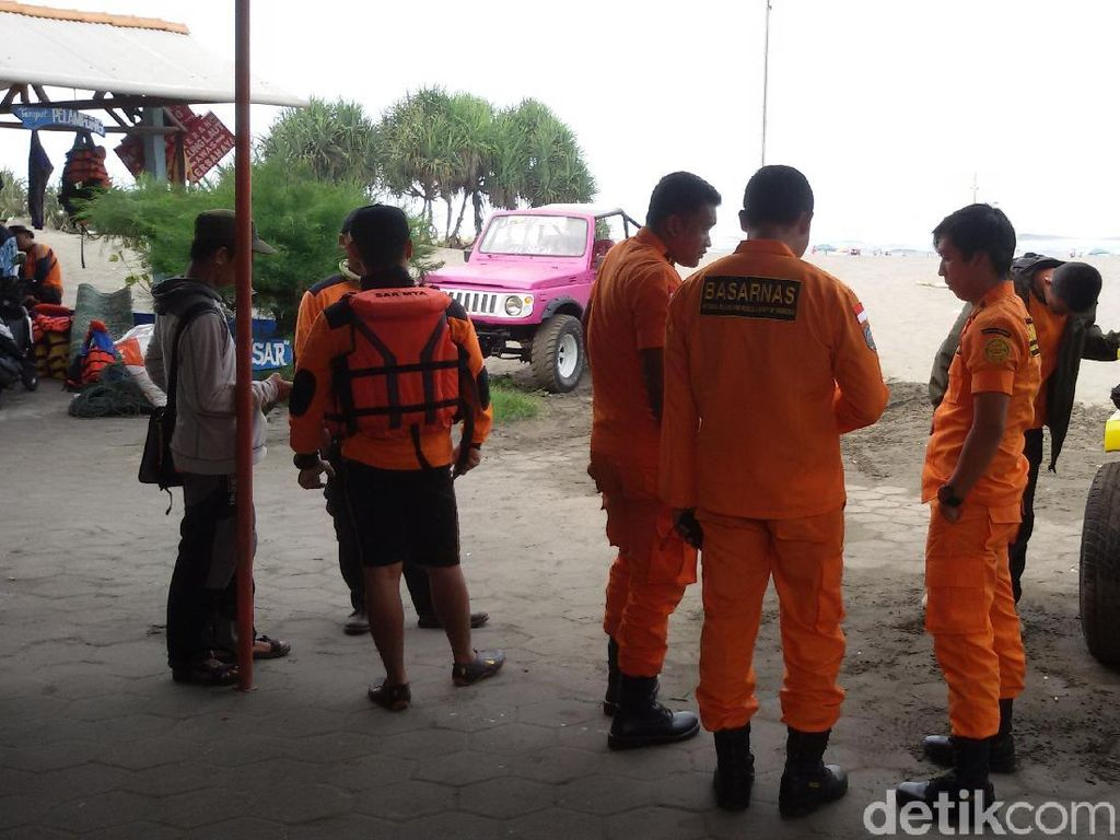 2 Wisatawan Pantai Parangtritis Hilang, Tim Pencari Sebar Jaring