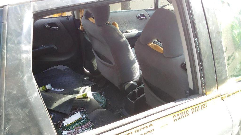 Penampakan Mobil yang Diberondong Tembakan di Sleman