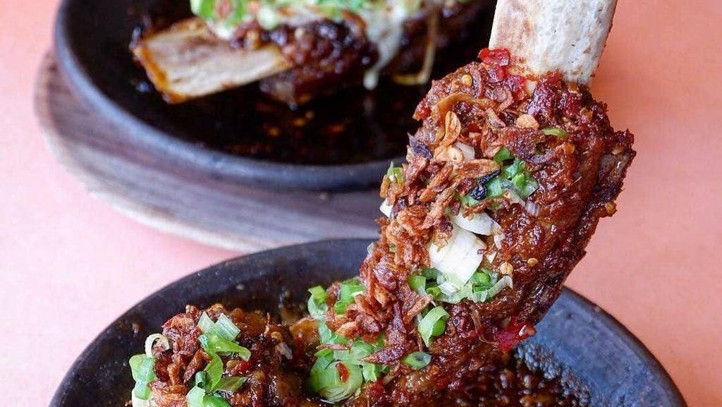 Sedap! Makan Siang dengan Iga Bakar Gurih Manis Rekomendasi Netizen