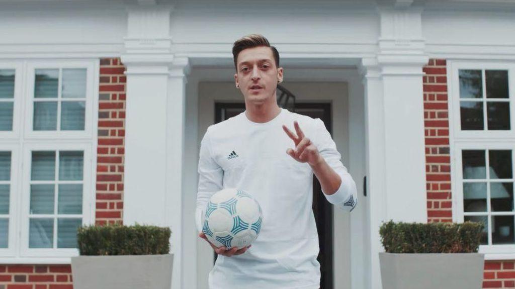 Foto: Intip Rumah Mewah Seharga Rp 189 M Pemain Timnas Jerman Mesut Ozil