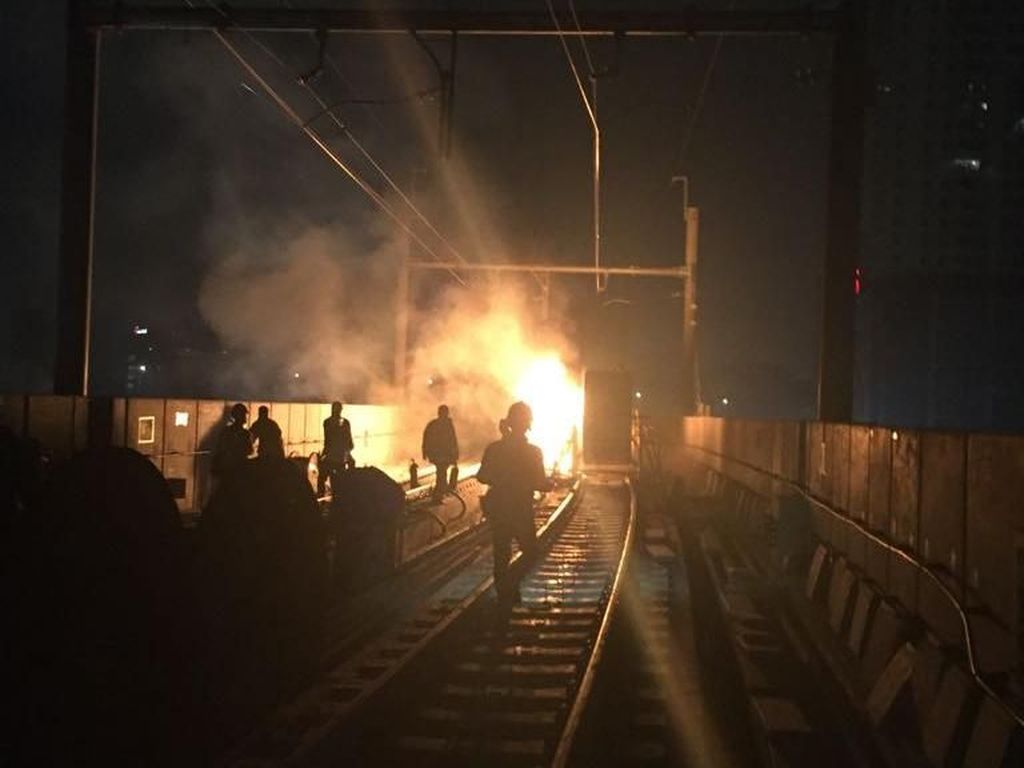 Terminal MRT di Lebak Bulus Terbakar, Diduga Korsleting Listik