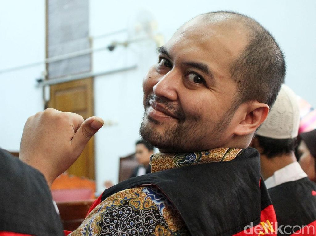 Terbukti Fitnah Jokowi, Arseto Tetap Dihukum 2 Tahun Penjara