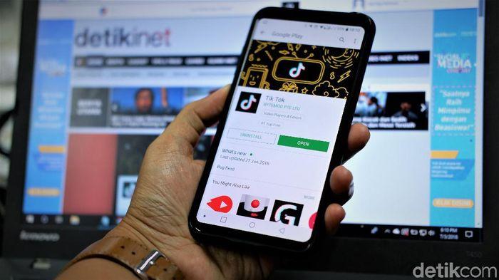 TikTok jadi aplikasi terbaik Play Store di Indonesia tahun ini. Foto: Adi Fida Rahman/detikINET
