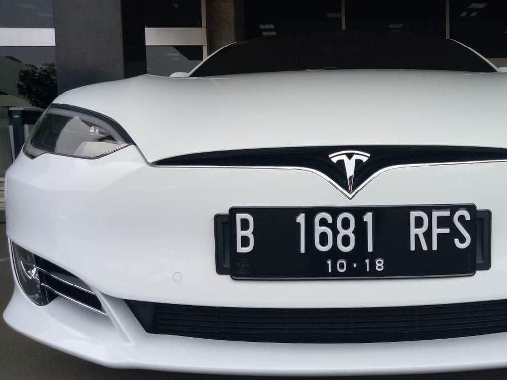 Super! Ini Mobil Tesla Model S Tunggangan Bamsoet