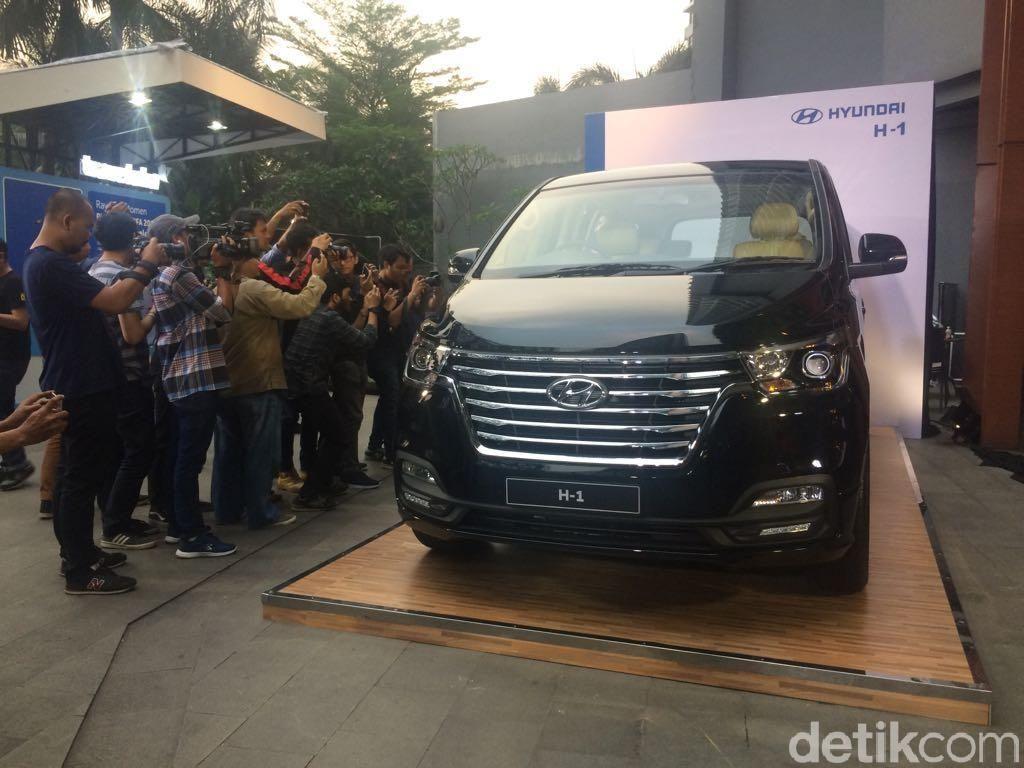 Hyundai Segarkan MPV Bongsor H-1