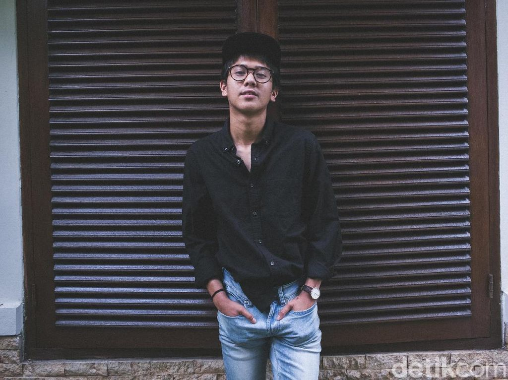 The Experienced Young Actor: Iqbaal Ramadhan Celeb of The Month Juli