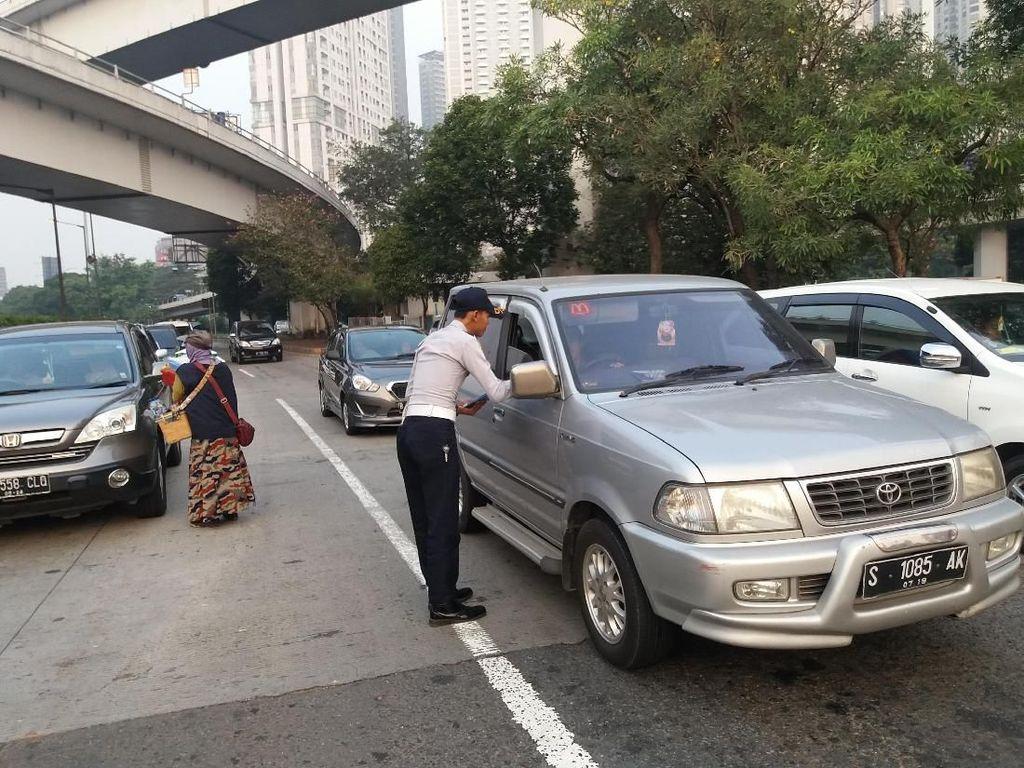 Ganjil Genap Tidak Diterapkan Kalau Angkutan Umum Belum Baik