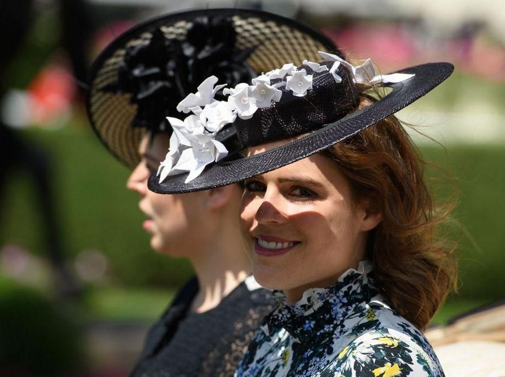 Foto: Putri Eugenie, Sepupu Pangeran Harry yang Selamat dari Skoliosis