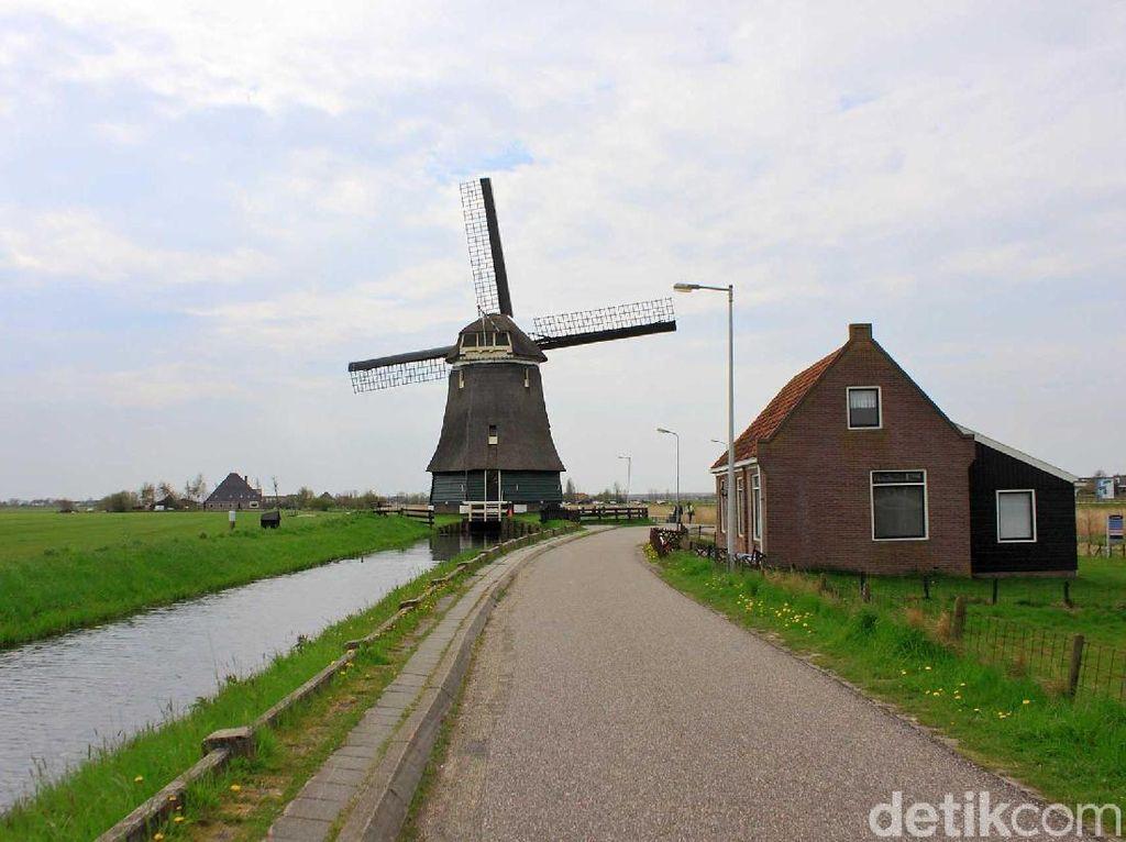 10 Tempat Wisata di Belanda, dari Kincir Angin hingga Kanal Amsterdam