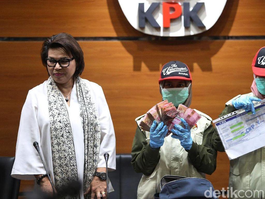 Ini Barang Bukti Kasus Suap Gubernur Aceh