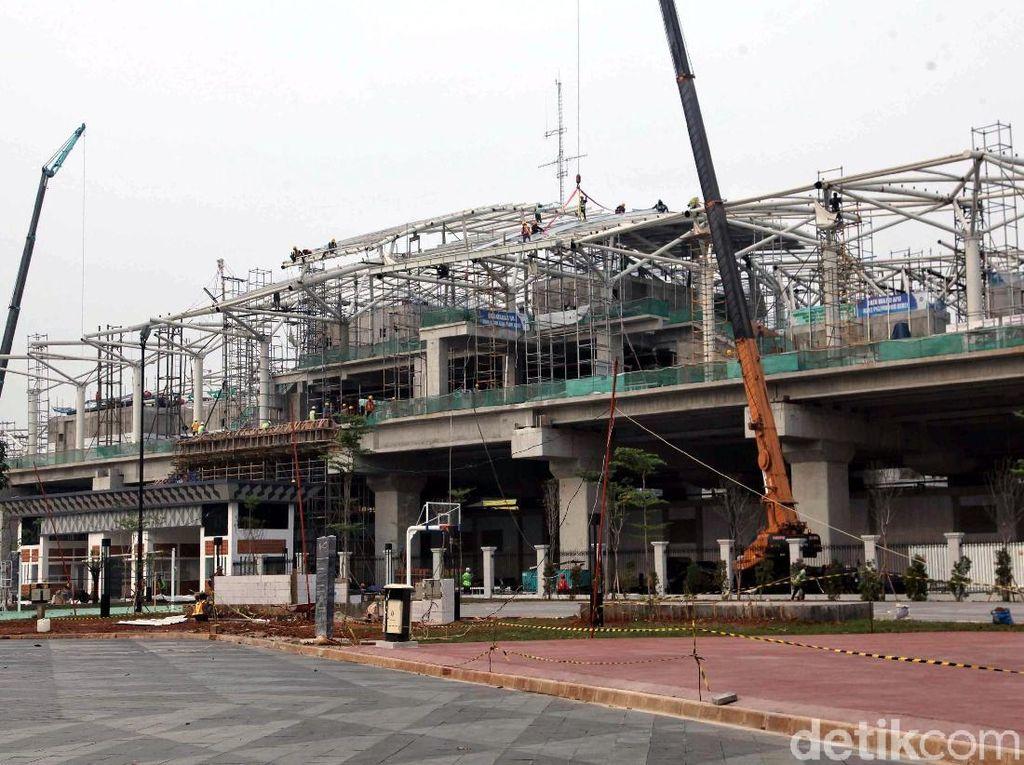 Menhub Sebut Pembangunan LRT Jakarta Sudah 90%
