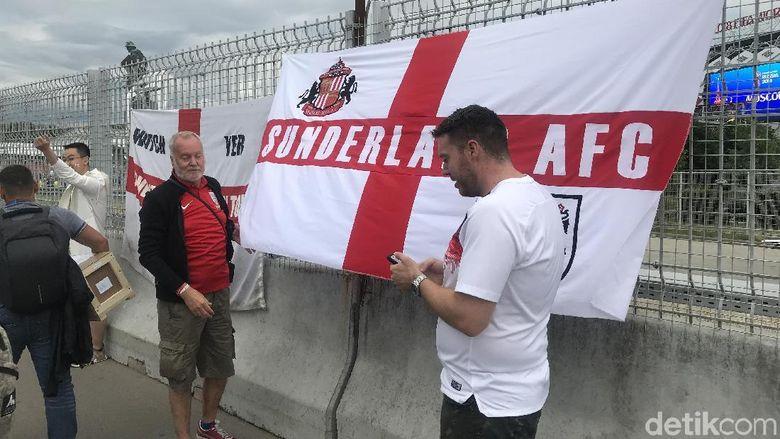 (Tumben) Fans Inggris Kalah Ramai dari Fans Lawan