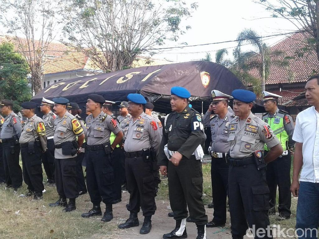 Bakal Didemo, 400 Personel Gabungan Siaga di KPU Kota Cirebon