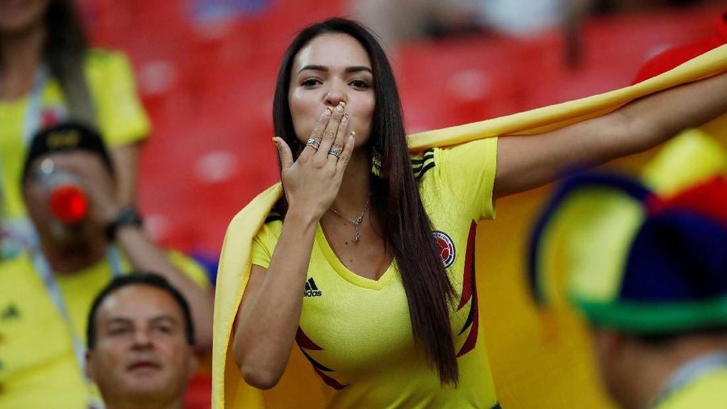 Adu Heboh Suporter Kolombia Vs Inggris di Luar Stadion