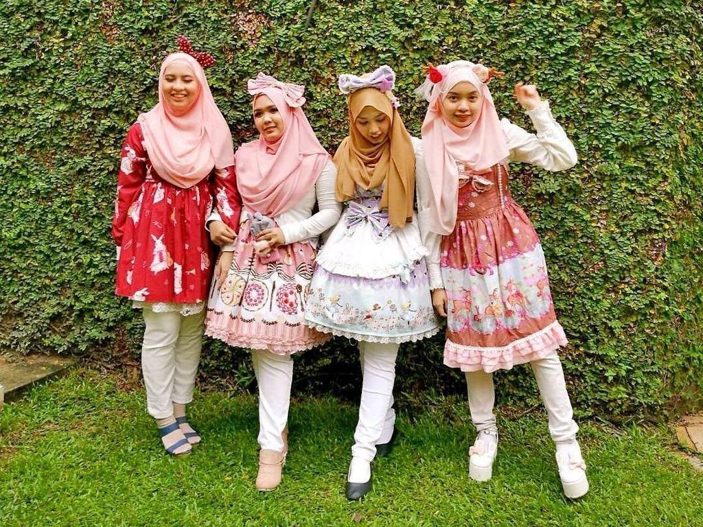 Kawai! Komunitas Hijab Lolita Viral di Jepang