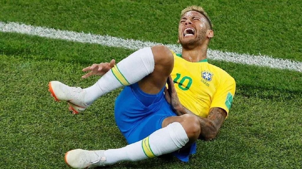 Video: Petenis Ini Guling-guling ala Neymar