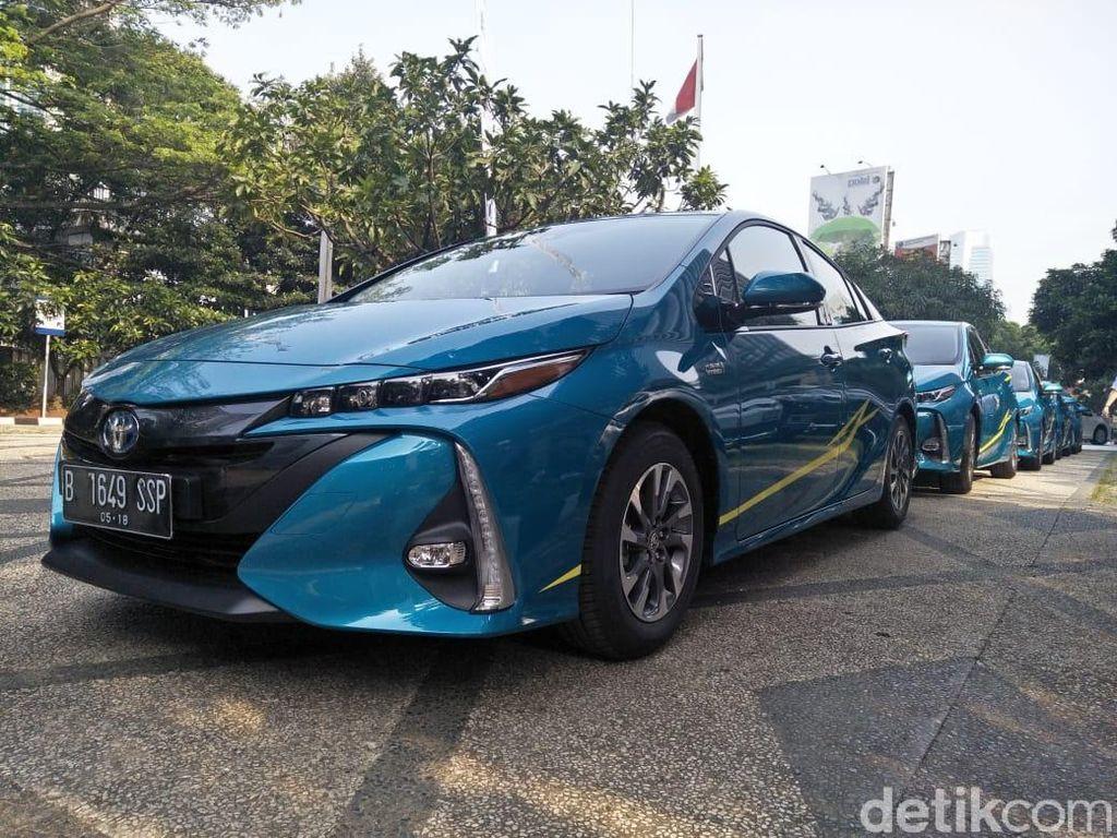 Toyota Siap Tarik 1 Juta Unit Mobil Hybrid di Seluruh Dunia