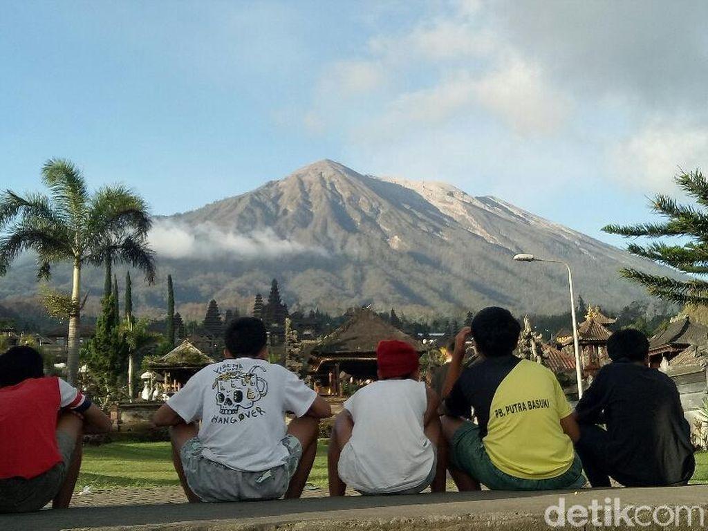 Status Gunung Agung Turun, Pendaki Masih Dilarang Mendaki