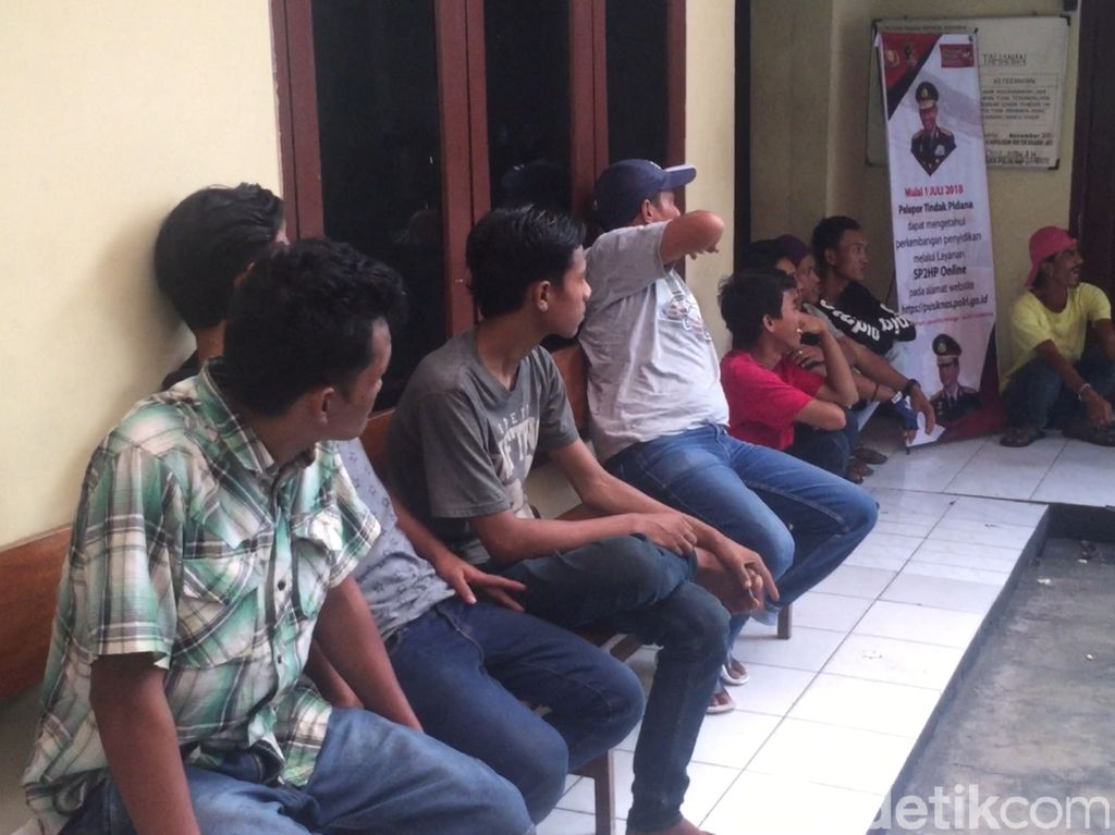 Puluhan Preman Terjaring Razia di Kramat Jati