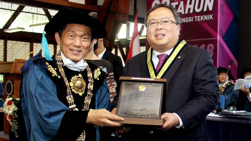 Bambang Brodjonegoro Raih Penghargaan ITB