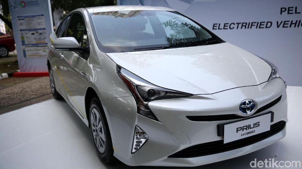 Toyota Sumbang Mobil Hijau