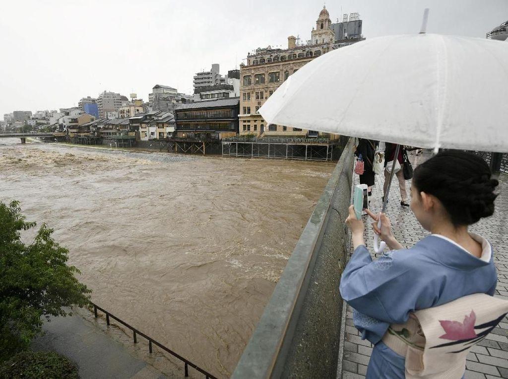 160 Ribu Orang Dievakuasi Akibat Hujan Lebat di Jepang, 1 Tewas