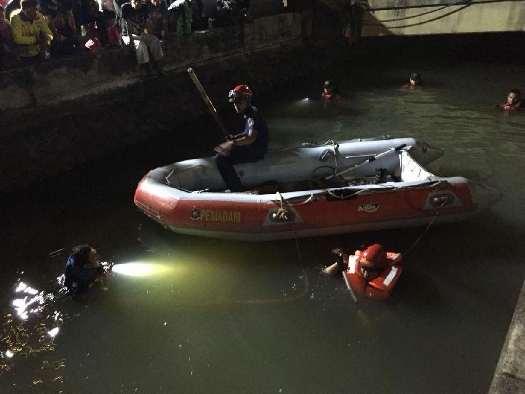 Aiman Hilang Usai Mandi di Kali Molenvliet Glodok, Jakarta