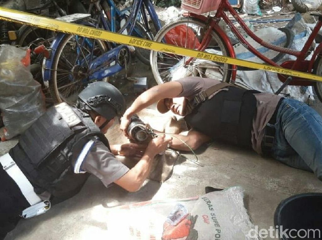Tukang Rongsok di Purworejo Temukan Mortir