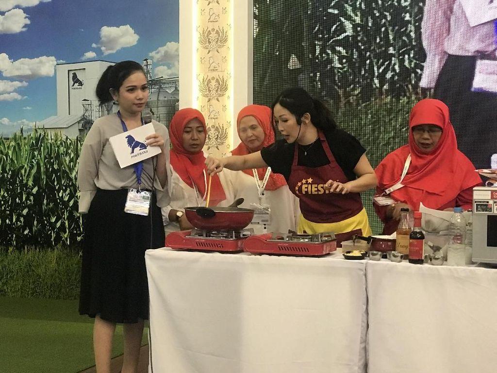 Chef Marinka Unjuk Kebolehan Olah Frozen Food di Indo Livestock