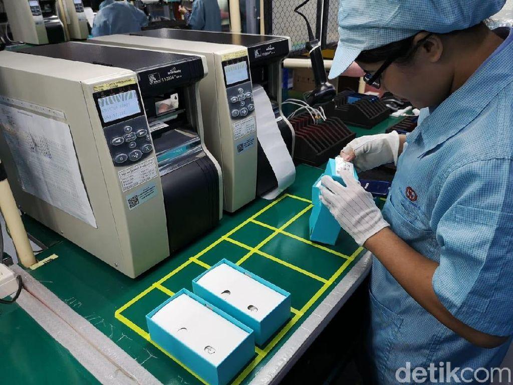 Penjualan Anjlok 60%, Buruh Pabrik Smartphone Dirumahkan