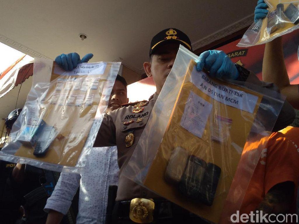 Polisi Amankan AS yang Edarkan Sabu Ditempel di Pot Bunga