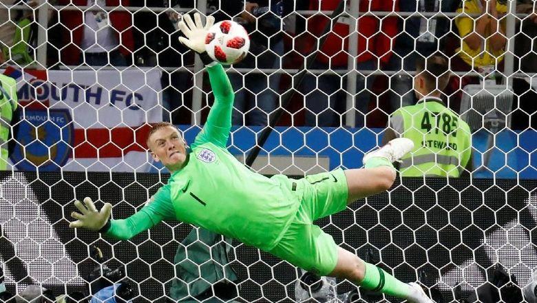 Kisah Contekan di Botol Minum Pickford Sebelum Adu Penalti Inggris