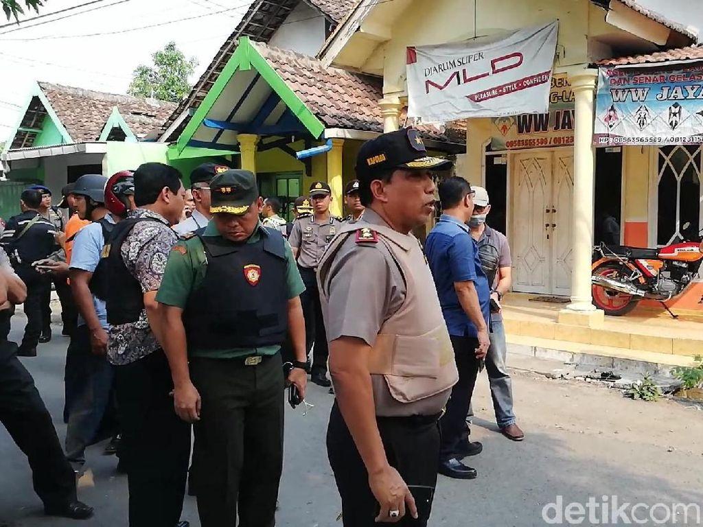 Anwar Sempat Lempar Bom ke Polisi Sebelum Kabur