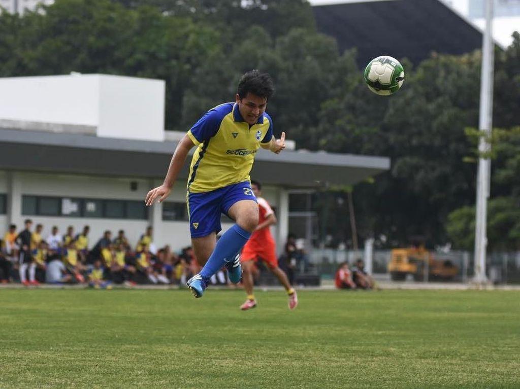 Foto: Rizky Alatas, Seleb Ganteng yang Hobi Olahraga Sepakbola