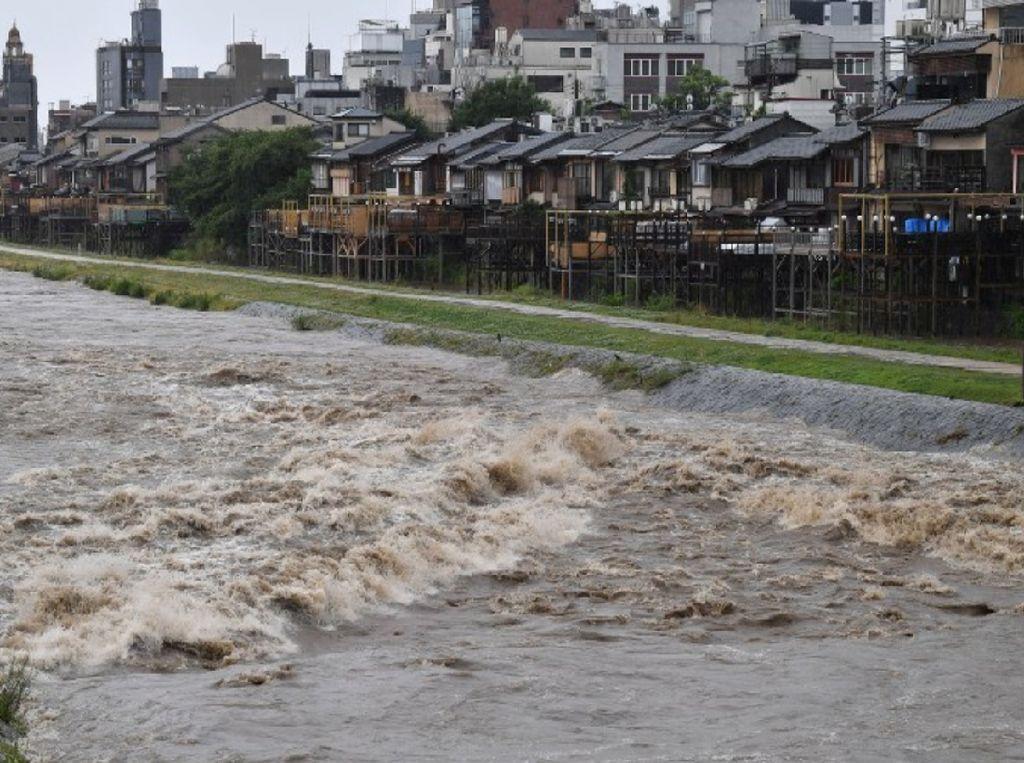 Hujan Deras Guyur Jepang, 3 Orang Tewas