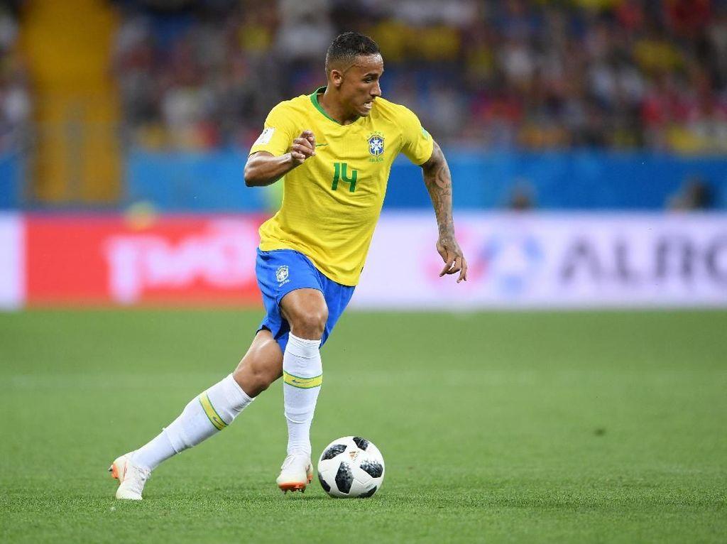Piala Dunia 2018 Sudah Berakhir bagi Danilo