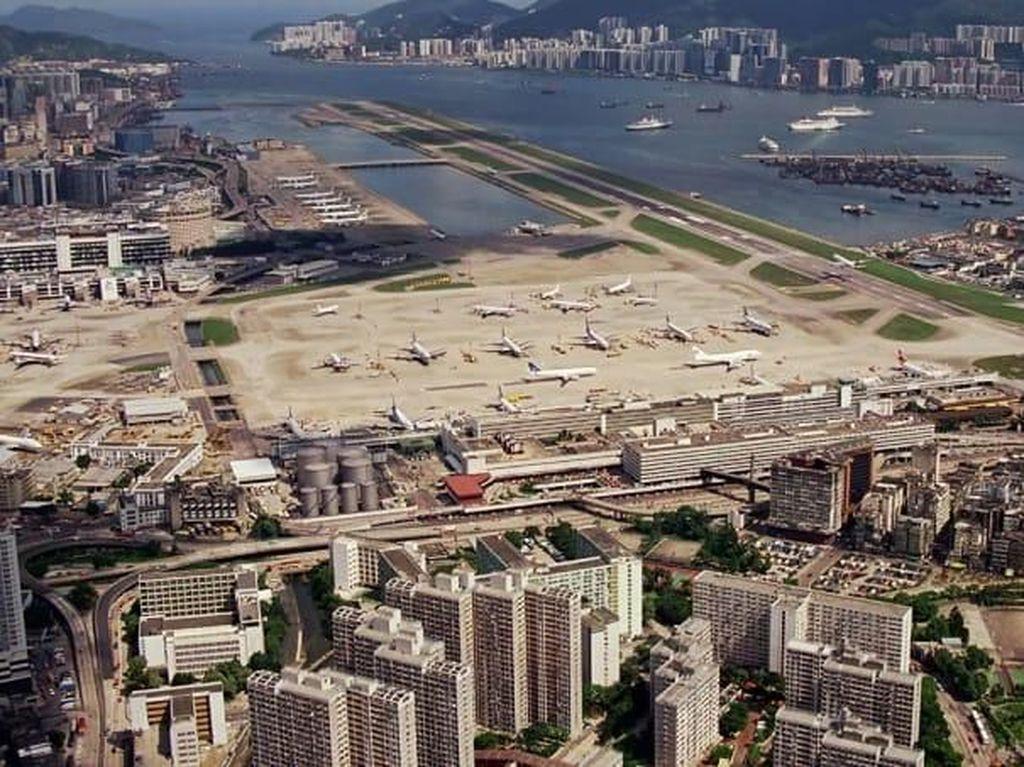 Bandara Paling Sulit Buat Landing Pesawat Ada di Hong Kong