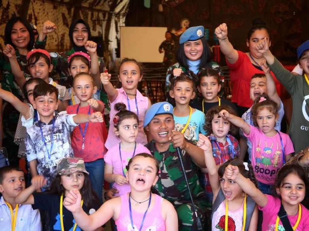 Ketika Anak-anak Lebanon Kunjungi Markas Indobatt
