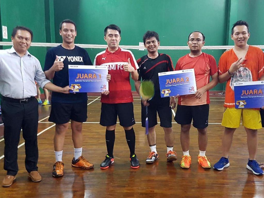 Jawara Badminton di Ajang HUT Jamkrindo